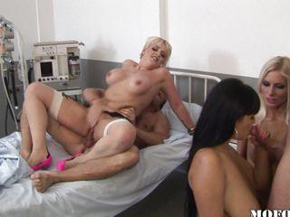 Очень молодые девушки секс порно