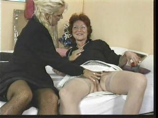 Ретро порно зрелых женщин