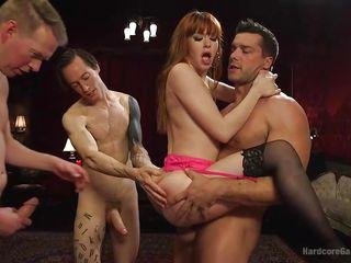 Групповое порно женщины жестокое большие сиськи